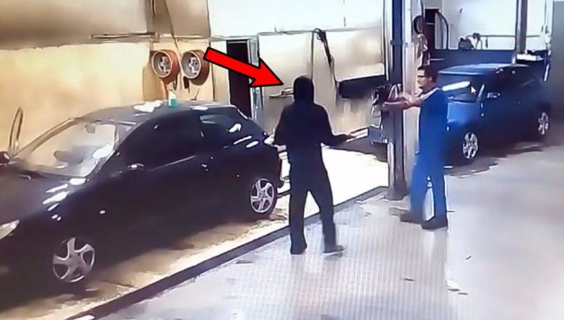 hot obligat sa spele masinile dupa ce jaful a esuat