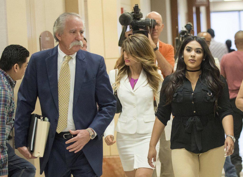 Profesoara condamnata la 10 ani de inchisoare dupa ce a ramas insarcinata cu un elev de 13 ani - 2