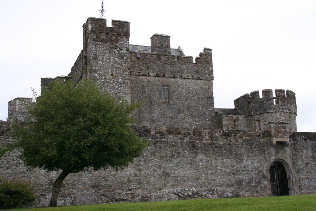 castelul caherkinmonwee